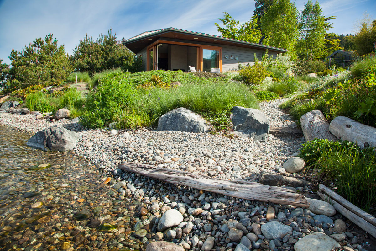 Press broadhurst associates for Lake home landscape design